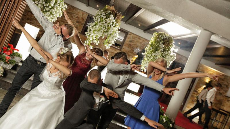 Oprawa muzyczna wesela – zbiór praktycznych wskazówek